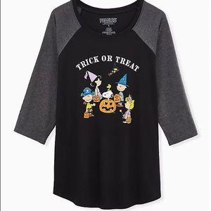 Torrid Black Peanuts Halloween Tee Top 4